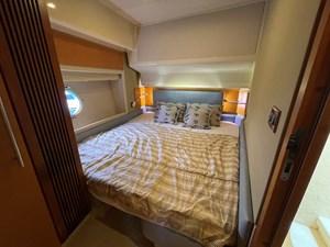 Azimut 60 14 Guest Cabin