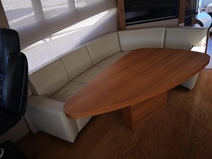 Forward Settee to starboard