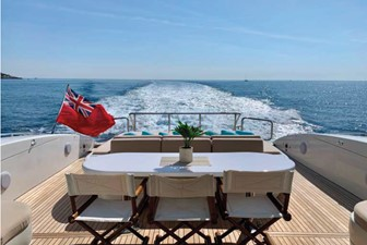 L'ESPERANCE 3 L'ESPERANCE 2004 OVERMARINE GROUP 92 Cruising Yacht Yacht MLS #258376 3