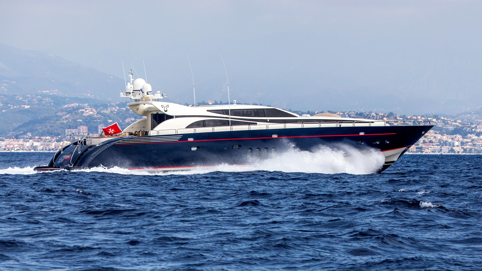 Cheeky-Tiger-Luxury-Yacht-23