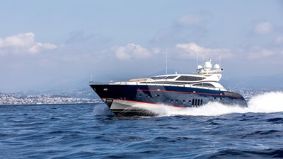 Cheeky-Tiger-Luxury-Yacht-22
