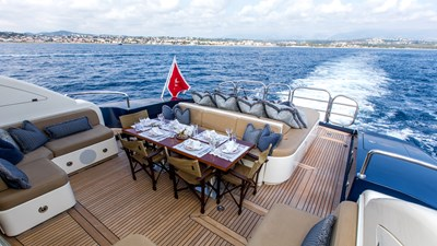 Cheeky-Tiger-Luxury-Yacht-18