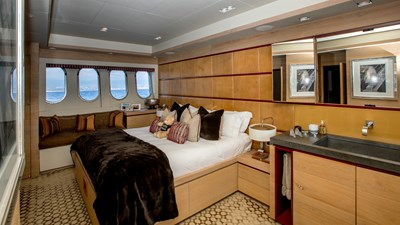 Cheeky-Tiger-Luxury-Yacht-31