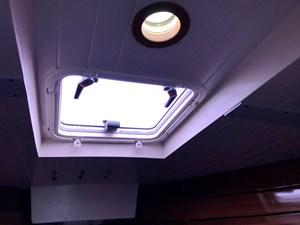 v-berth skylight hatch