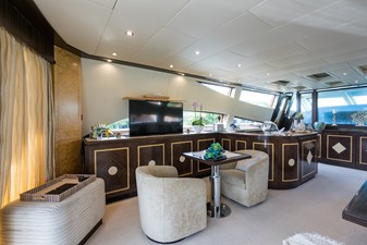 34m Leopard 3 Salon