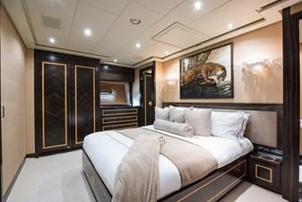 34m Leopard 41 VIP Stateroom