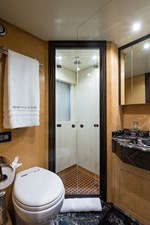 34m Leopard 58 Starboard Guest Stateroom Head