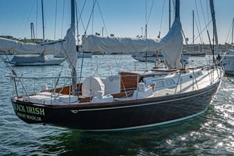 BLACK IRISH 1 BLACK IRISH 1970 HINCKLEY Bermuda 40 Yawl Yawl Yacht MLS #258862 1
