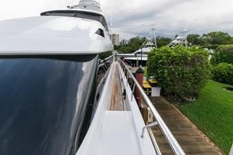 Wide walk-around side decks