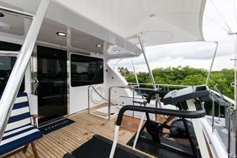 Flybridge aft deck, forward view