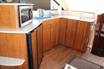 Open galley with great visibility
