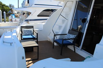 Versatile aft deck, ladder to bridge