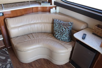 Aft-facing seating to starboard