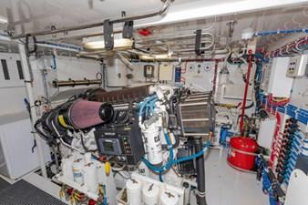 LEXUS LADY 94 Engine Room Port