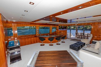 LEXUS LADY 41 Main Salon Starboard
