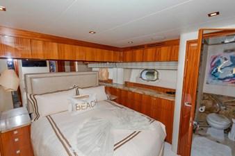 LEXUS LADY 76 VIP  Port  Stateroom