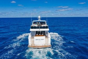 LEXUS LADY 8 Stern at Sea