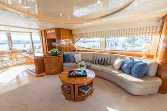 4. Main Salon Port Aft