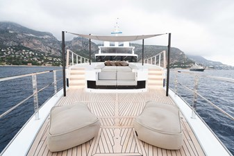 Foredeck Seating Area