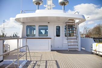 ANDROS 78' Aluship Deck 1