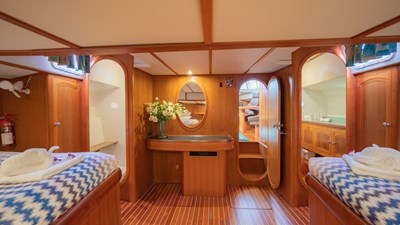 Mi Lian 15 Adam 21 - double guest cabin
