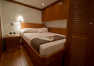 100S Guest Cabin low