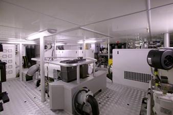 100S engine room