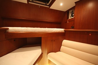 28-Crew cabin