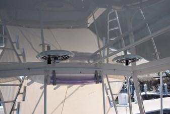 Reel color recess mounted teaser reels