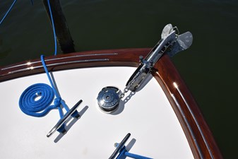 Maxwell windlass and stainless chute