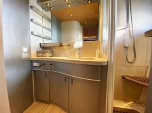 Petardo C 32 Mondomarine 85 Petardo - Bathroom