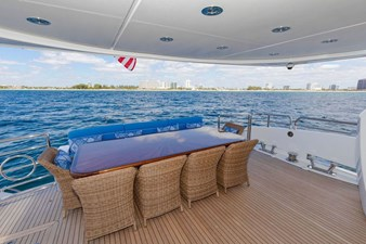 105-ft-2004-Sunseeker-Yacht-03