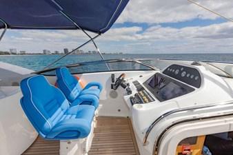 105-ft-2004-Sunseeker-Yacht-07