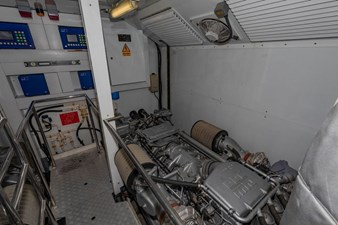 105-ft-2004-Sunseeker-Yacht-23