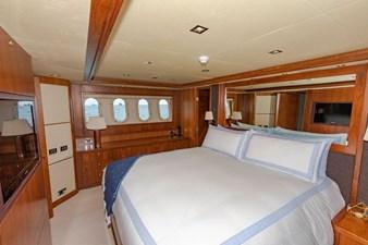 105-ft-2004-Sunseeker-Yacht-32