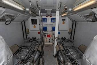 105-ft-2004-Sunseeker-Yacht-22