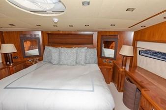 105-ft-2004-Sunseeker-Yacht-47