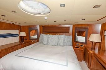 105-ft-2004-Sunseeker-Yacht-42