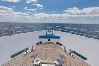 105-ft-2004-Sunseeker-Yacht-19