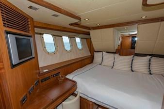 105-ft-2004-Sunseeker-Yacht-39