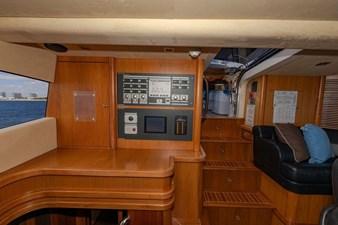 105-ft-2004-Sunseeker-Yacht-65