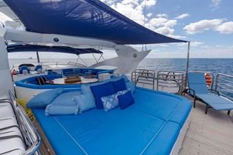 105-ft-2004-Sunseeker-Yacht-14