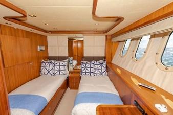 105-ft-2004-Sunseeker-Yacht-37