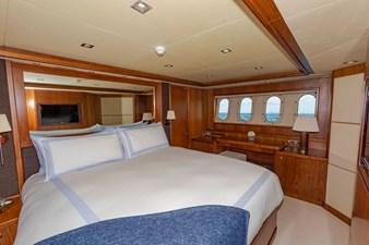 105-ft-2004-Sunseeker-Yacht-30