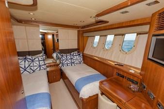 105-ft-2004-Sunseeker-Yacht-36