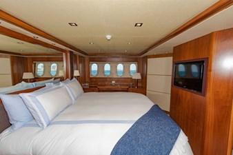 105-ft-2004-Sunseeker-Yacht-31