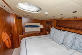 105-ft-2004-Sunseeker-Yacht-48