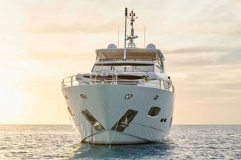 98-ft-2010-Sunseeker-30-Metre-Yacht-03