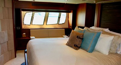 98-ft-2010-Sunseeker-30-Metre-Yacht-44