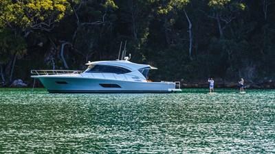 Riviera-545-SUV-Paddle-Boarding-01
